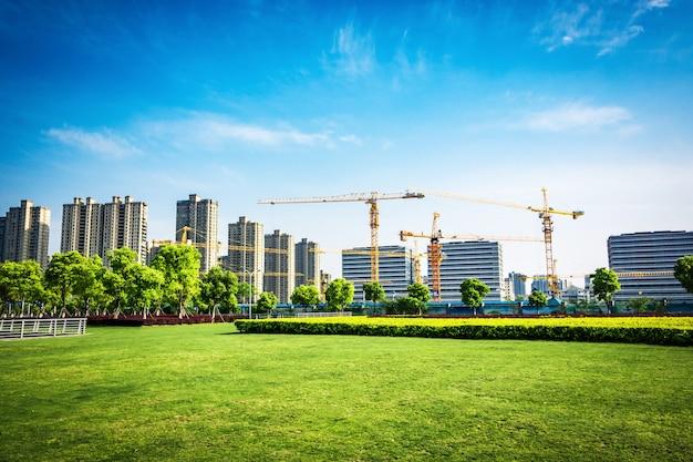 루자 쭈이 금융 센터에있는 공원