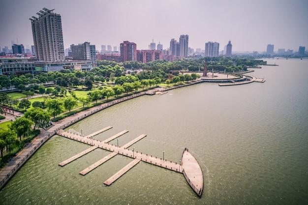 都市の公園