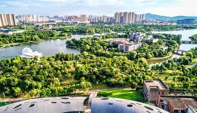 Парк с городом