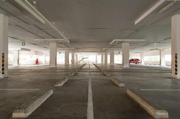 주차장 백화점 인테리어 빈 주차장 또는 차고 인테리어 비즈니스 빌딩 사무실