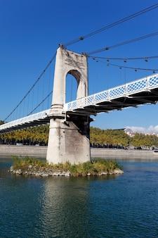 Часть пешеходного моста