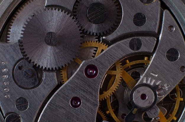 懐中時計のクローズアップのメカニズムの一部
