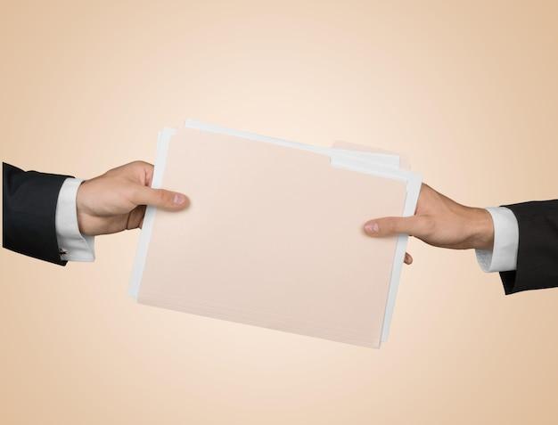 파트너십 또는 팀워크 개념 두 남자와 문서