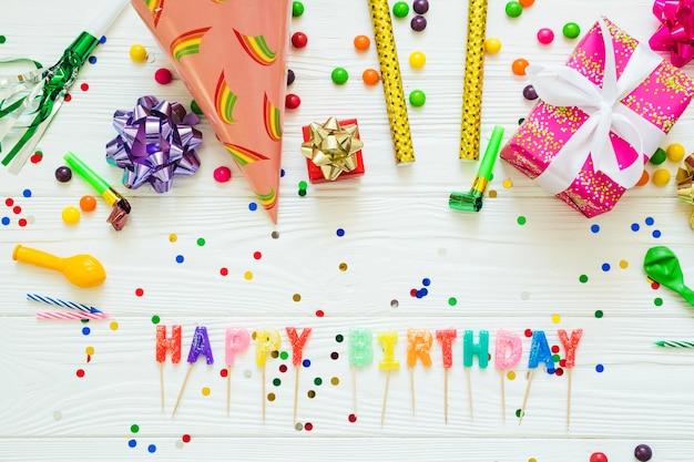 Decorazioni del partito con parole happy birthday