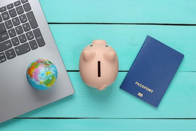 여권과 저금통. 여행 컨셉