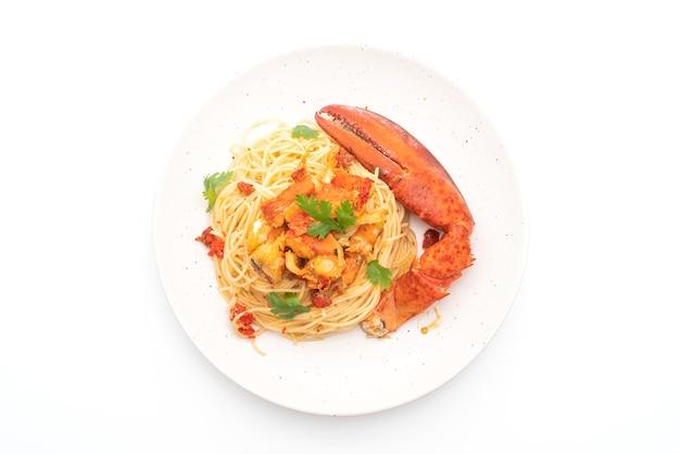 パスタall'asticeまたはロブスタースパゲッティ-イタリア料理