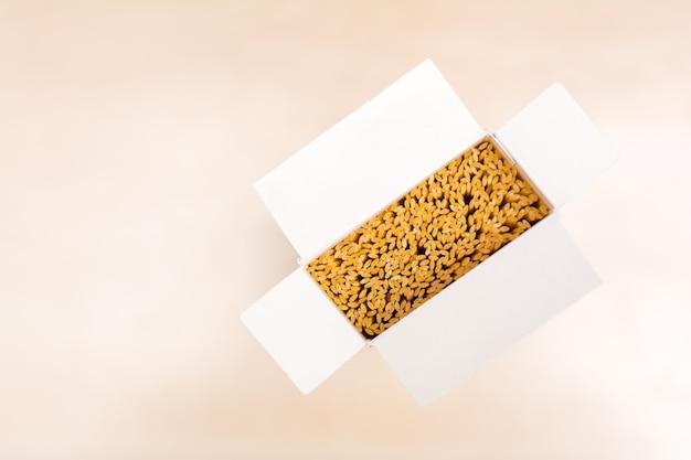 Макароны в коробке
