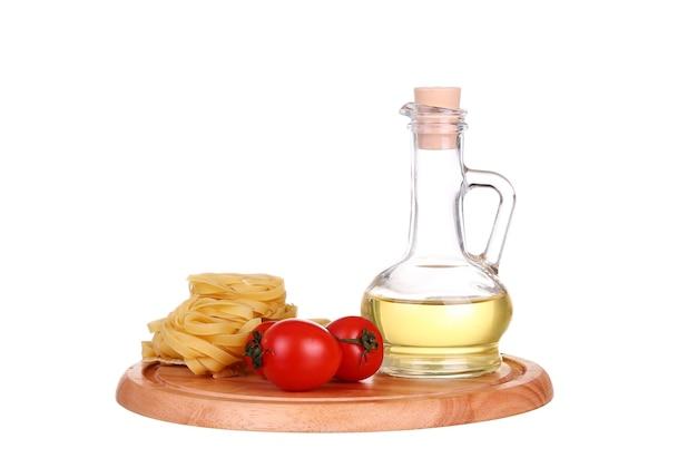 オリーブオイルとトマトのパスタ