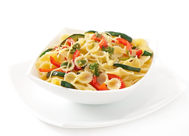 Pasta with zucchini and sweet peppers with basil-garlic dressing