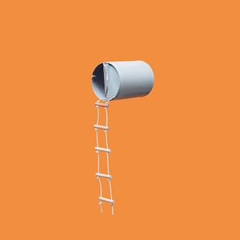 Пастельно-голубая плавающая банка для фасоли с прикрепленной лестницей джейкобса на ярко-оранжевом фоне. минималистичная концепция. квадратный план с копией пространства. абстрактный