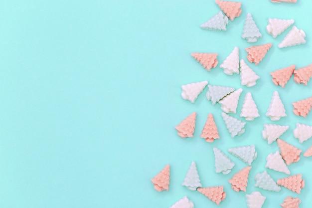 크리스마스 트리 형태의 파스텔 귀여운 초콜릿 사탕