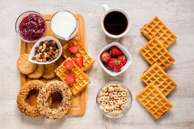 Кондитерские изделия и кофе