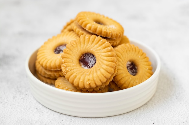 Кондитерские печенья с клубникой