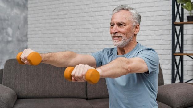 의료 회복 운동을 시작하는 환자