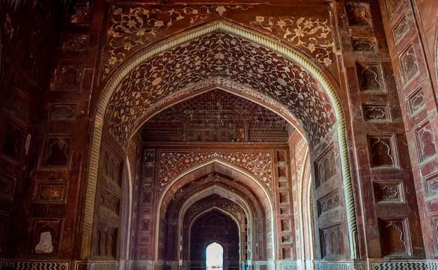 Pattern of huge gates at taj mahal agra
