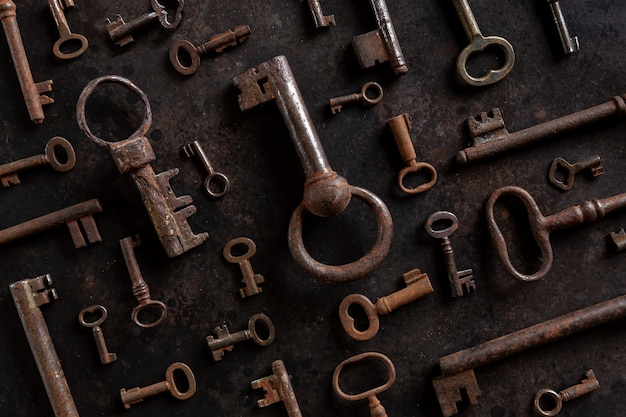 Образец многих различных старинных ключей