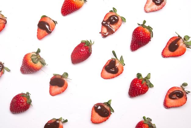 초콜릿 딸기 패턴