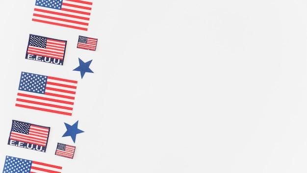白い背景の上のアメリカ国旗のパターン