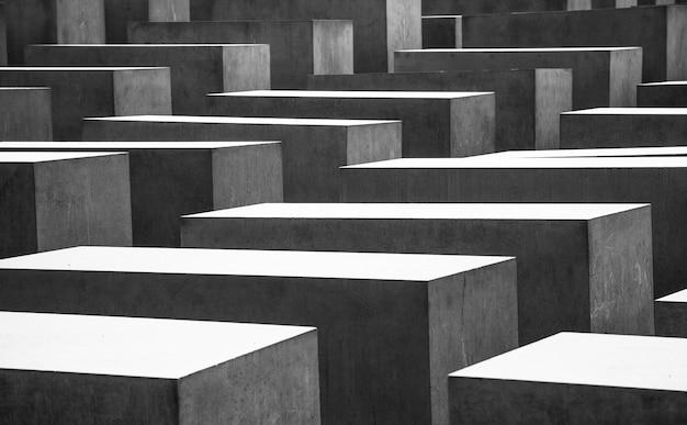 ベルリンの第二次世界大戦の記念墓のパターン化された写真