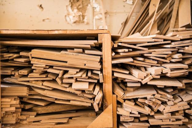 家具のパターン。レカロ、テンプレート。テクスチャを持つ大工仕事の要素。家具製造。建具工事。木材原料。木材の部品の生産。