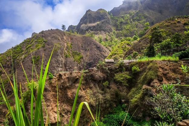 Пейзаж долины пауля на острове санто-антао, кабо-верде, африка