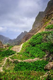 Пол долина пейзаж на острове санто-антао, кабо-верде