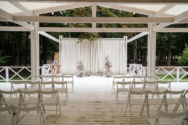 結婚式のためのパビリオン