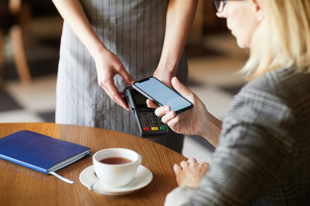 Paying by mobile app
