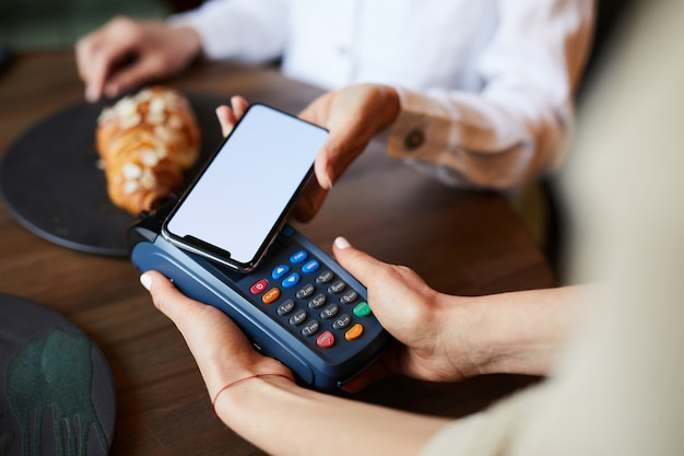 Paying by smartphone