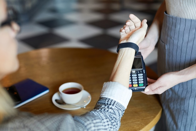 Paying by smartwatch