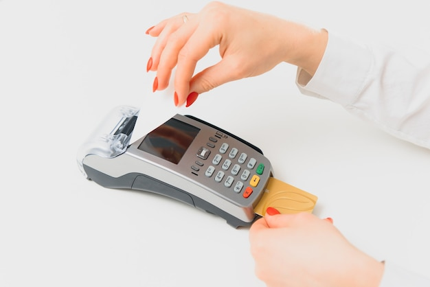 Nfcテクノロジーを使用してスマートフォンで支払う
