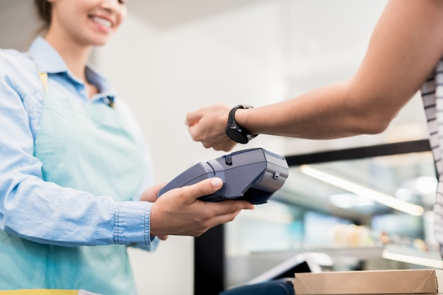 Payment by smartwatch