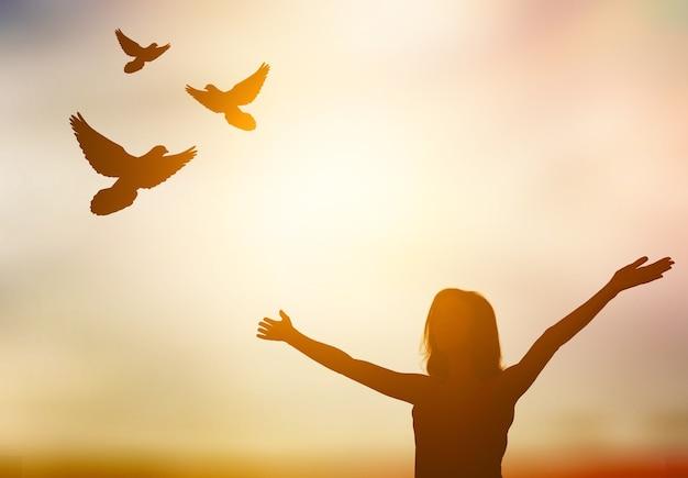 Мир аннотация только фон птица христианская концепция