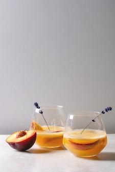 Peach cocktail lemonade