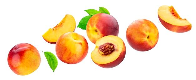Коллекция персика, изолированные на белой стене