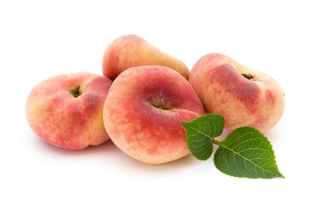 分離された桃の果実