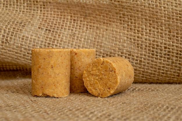ピーナッツキャンディーは典型的なブラジルのキャンディーですそれは6月の祝祭に存在しますピーナッツパソッカ