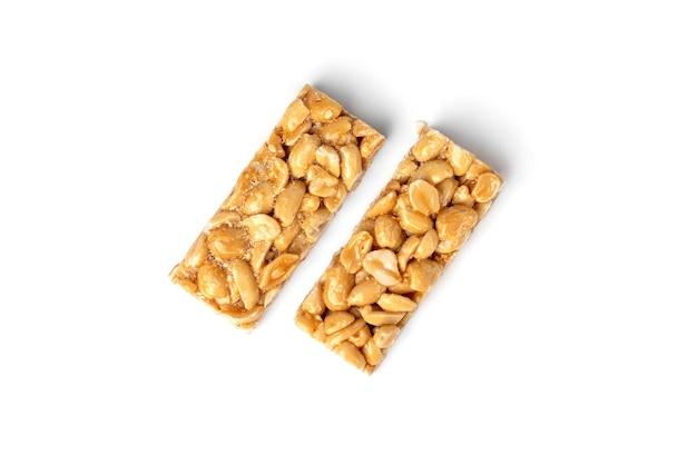 Козинаки арахис, изолированные на белом фоне