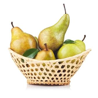 かごの中の梨