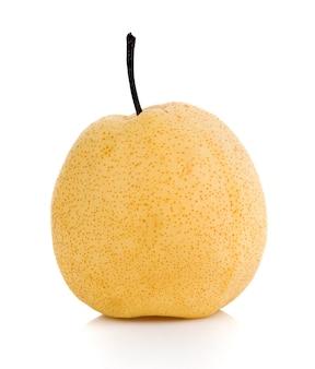 白い表面に分離された梨