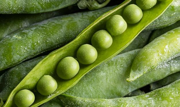 ポッド上面図のエンドウ豆