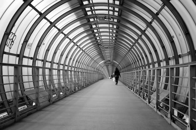 Pedestrian tunnel circle