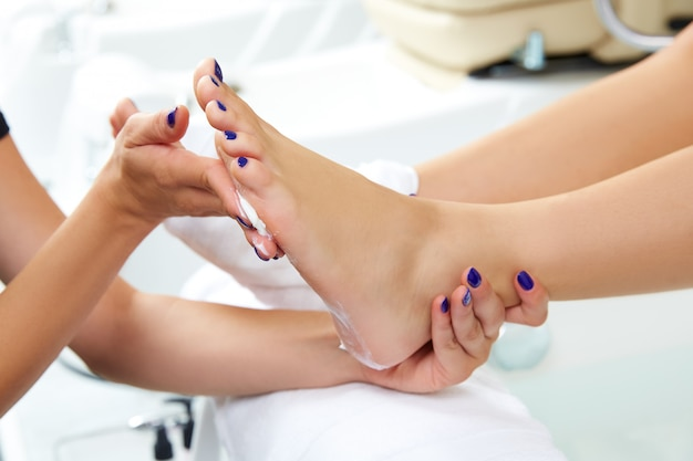 Pedicure moisturizing cram after foot rasp