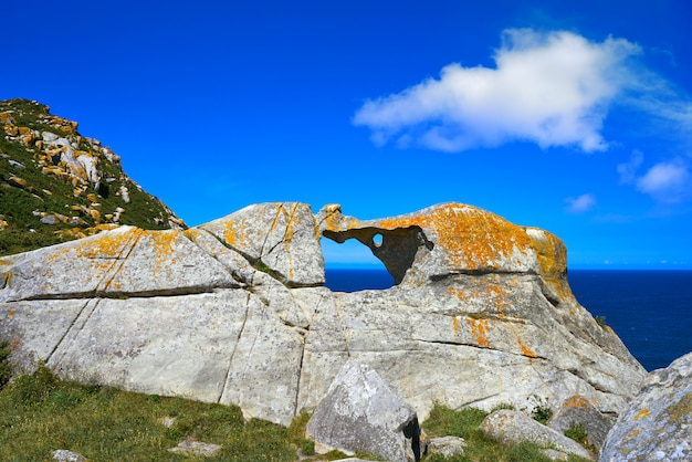 Pedra da campa stone hole in islas cies islands