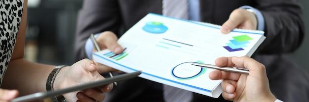 Ручка диаграммы бизнес-группы. сборник проблемных карт