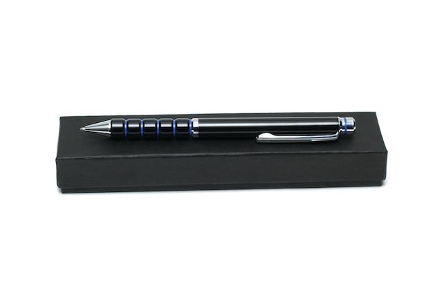 Ручка на коробке