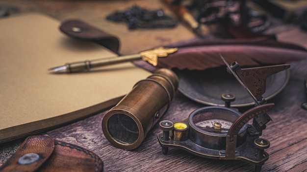 Pen quill with pirate accessories