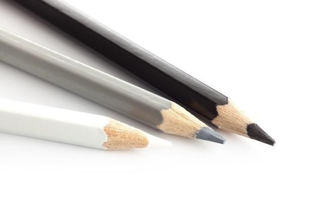 Цвет карандаша белый серебристый серый черный