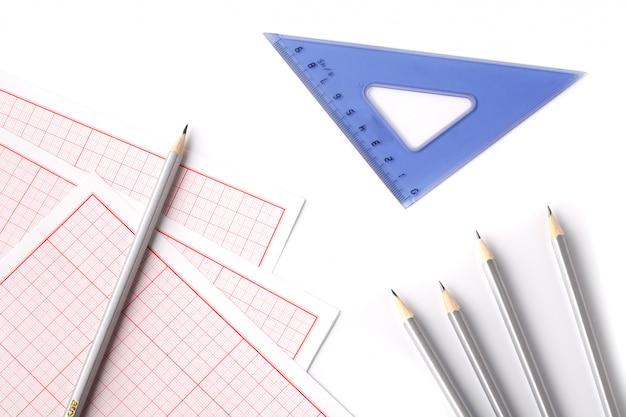 製図工の鉛筆と定規