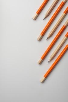 고립 된 연필